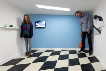 A l'intérieur de l'espace «Sam Moore». Anabelle Hulaut & David Michael Clarke. Outside-In. Exposition à la Chapelle du Genêteil. Château-Gontier. 2015.