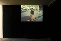 Francesco Finizio. Diaporama: Walking the dog, promenades plastiques. 1998. Vue de l'exposition: Flying Black Cow Utopia Club. Galérie du Dourven. Trédez-Locquémeau. 2014. Photo: Hervé Beurel.