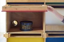 Unité d'habitation pour 24 lapins, 2014. Vue de l'exposition. The Stuff of Dreams. David Michael Clarke. Musée Calbet. 30 septembre 2016 au 21 janvier 2017.