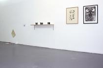 Vue de l'exposition, Multiples #05. Exposition collective. Galerie RDV, Nantes. 2014. Photo : Léa Cotart-Blanco.
