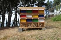 David Michael Clarke. Unité d'Habitation pour 24 lapins. Flying Black Cow Utopia Club. Galerie du Dourven. 2014. Photo : Hervé Beurel.